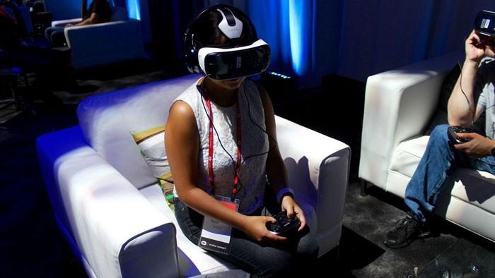 Обзор модельного ряда Samsung Gear VR: стоит ли покупать + отзывы пользователей